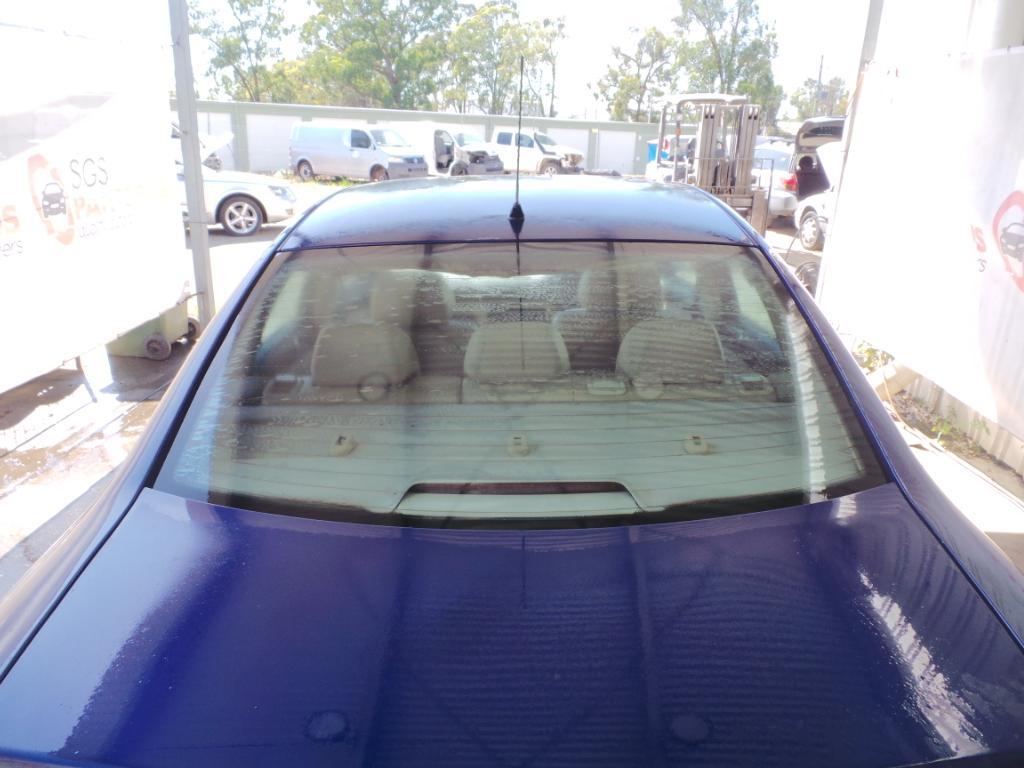 View Auto part Right Front Door Window Volkswagen Passat 2001